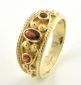 9ct Gold Garnet Carved Band